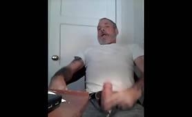 Hung sexy rugged daddy jack off