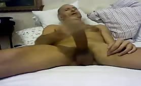 Older dude really loves to masturbate