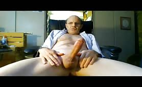 Older guy stroking his cock