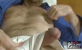 Hot dad beats that big cock